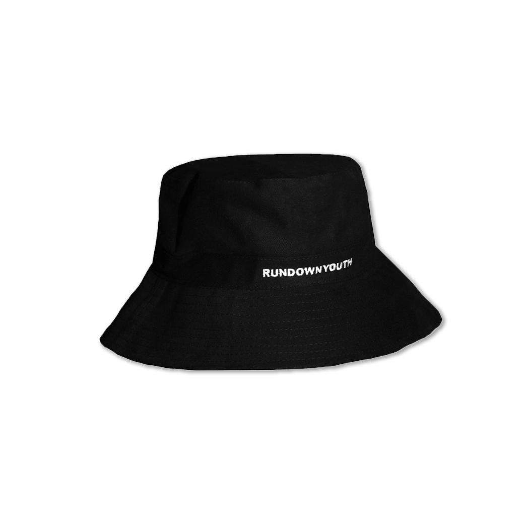 RUNDOWNYOUTH BUCKET HAT BLACK