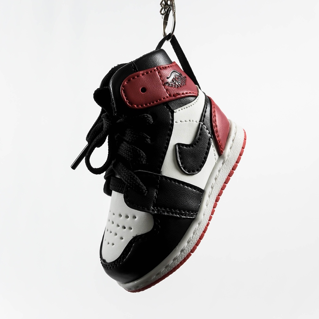 SOLEKEEPER POWER BANK AJ1 BLACK TOE BLACK/RED